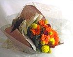 画像4: ガーベラとクラスペディアの花束 (4)