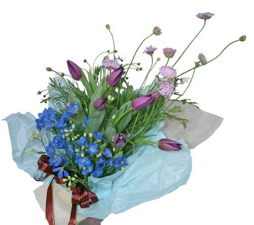 画像1: 紫のチューリップとデルフィニウムの花束 (1)