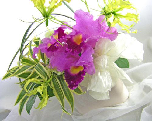 画像1: カトレアの陶器花器ギフトアレンジメント (1)