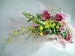 画像2: オンシジウムとピンクの百合の花束 (2)
