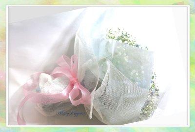 画像2: 忘れな草と、かすみそうの花束