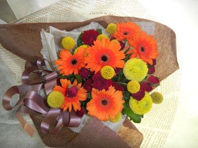 画像2: ガーベラとクラスペディアの花束