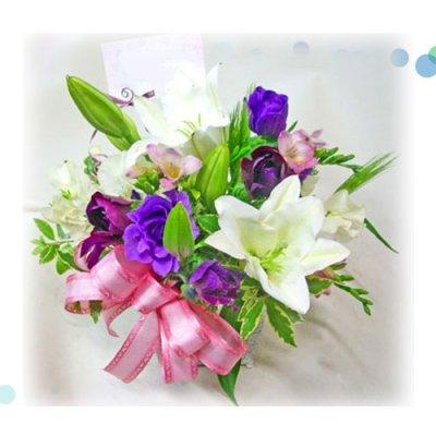 画像3: 紫の花の春のアレンジメント