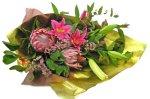 画像2: キングプロテアと百合の花束 (2)