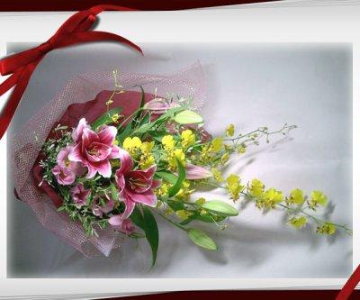 画像3: オンシジウムとピンクの百合の花束