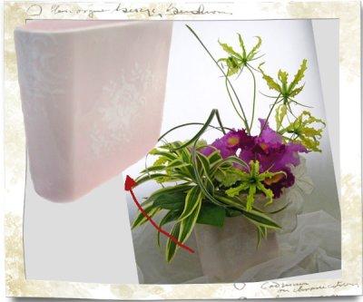 画像2: カトレアの陶器花器ギフトアレンジメント