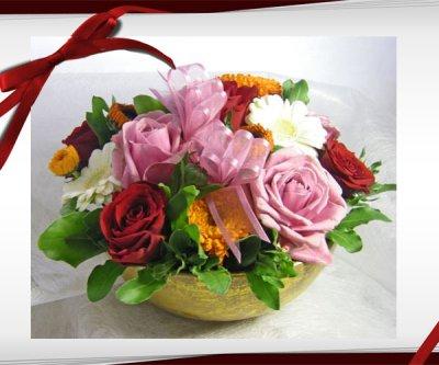 画像2: バラとキンセンカのアレンジメント