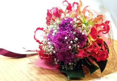 画像2: グロリオサとカーネーションの花束〜Robust love