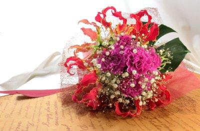 画像3: グロリオサとカーネーションの花束〜Robust love