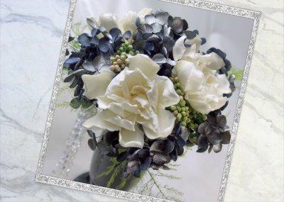 画像1: プリザーブドの梔子のアレンジメント〜Gardenia
