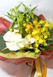 画像5: サンダーソニアとオンシジウム、カラーの花束 (5)