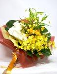 画像1: サンダーソニアとオンシジウム、カラーの花束 (1)