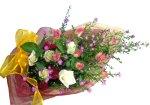 画像4: クジャクソウとバラの花束 (4)