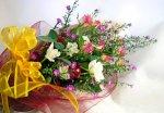 画像5: クジャクソウとバラの花束 (5)