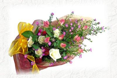 画像1: クジャクソウとバラの花束