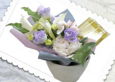 画像3: パールネックレスと、ふんわり花束のギフトセット