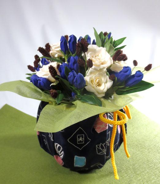 画像1: 秋のお花のアレンジメント-風呂敷包み (1)