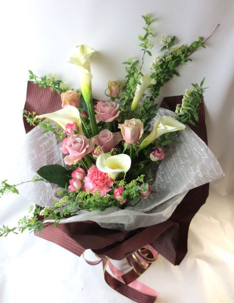 画像1: コデマリとカラーの春の花束 (1)