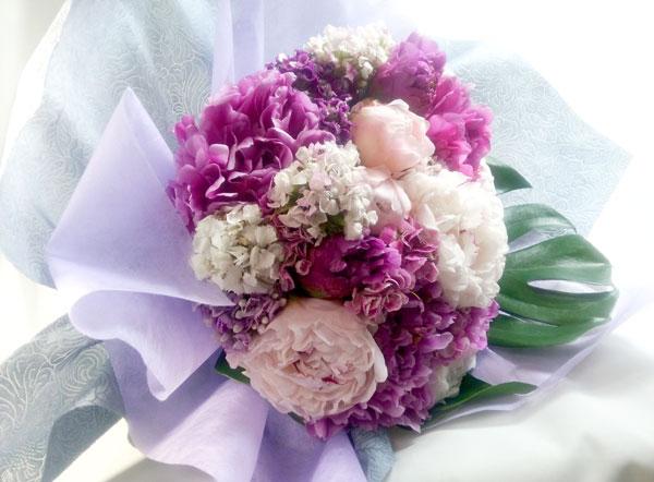 画像1: 芍薬と美女撫子の花束 (1)