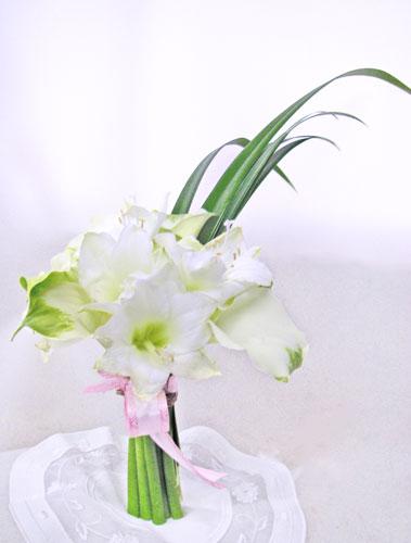 画像1: アマリリスとカラーの花束 (1)